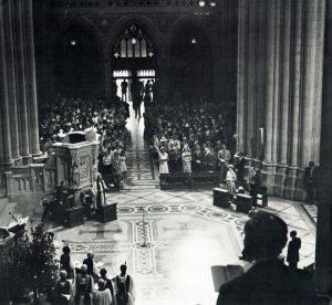 QE II at 1976 Dedication